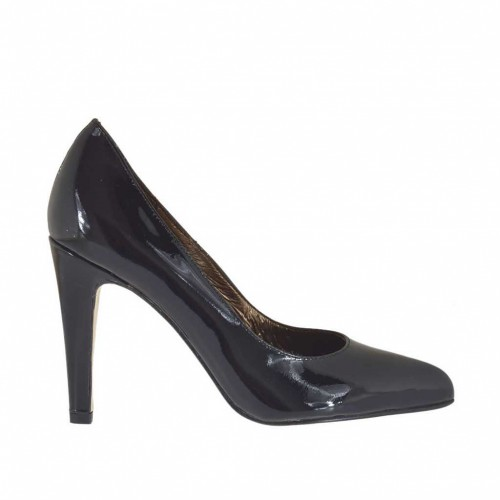 Woman's pump shoe in black patent leather heel 9 - Available sizes:  43