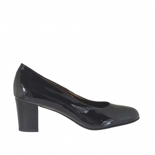 Woman's pump in black patent leather block heel 5 - Available sizes:  32, 42, 45