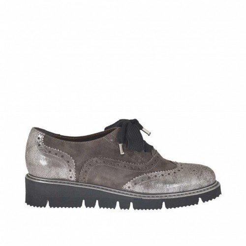 Woman's laced shoe in silver laminated leather and grey suede wedge heel 2 - Available sizes:  33, 44