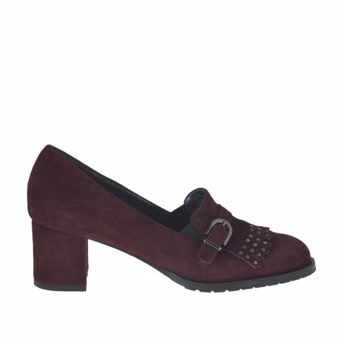Woman's high-fronted shoe with fringes, studs and buckle in maroon suede heel 5 - Available sizes:  32, 34, 42, 43