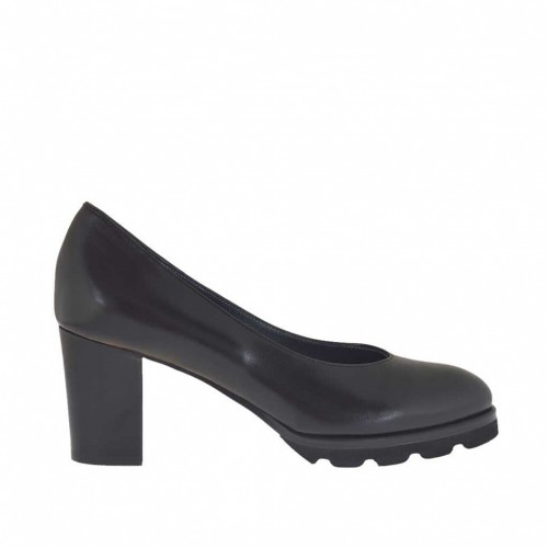 Woman's pump in black leather heel 7 - Available sizes:  45