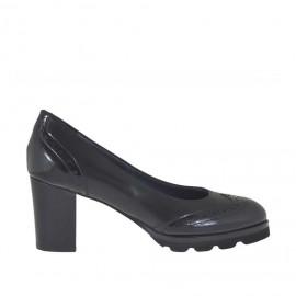 Decolté da donna in stile inglese in pelle abrasivata nera tacco 7 - Misure disponibili: 44, 45