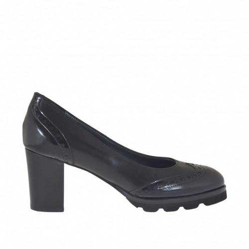 Escarpin pour femmes à la mode anglaise en cuir brossé noir talon 7 - Pointures disponibles:  33, 44, 45