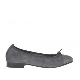 Ballerinaschuh mit Schleife aus grauem Wildleder und gedrucktem Lackleder Absatz 2 - Verfügbare Größen:  43