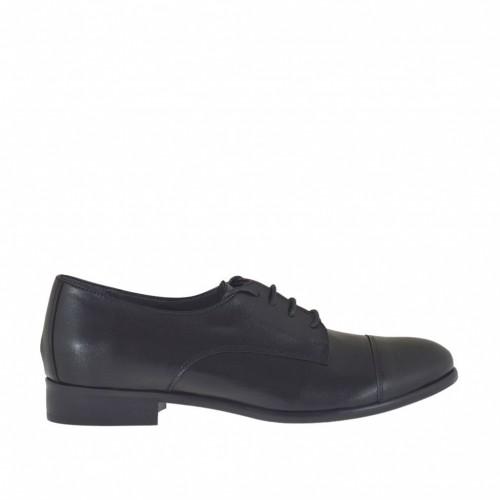 Chaussure derby à lacets pour femmes en cuir noir talon 2 - Pointures disponibles:  32, 45, 46