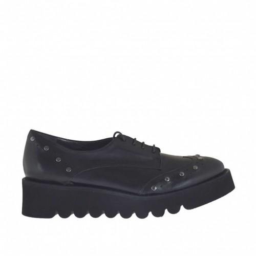 Chaussure derby pour femmes à lacets avec goujons en cuir noir talon compensé 4 - Pointures disponibles:  46