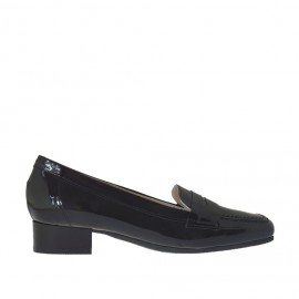 Woman's mocassin in black patent leather heel 2 - Available sizes: 34, 43