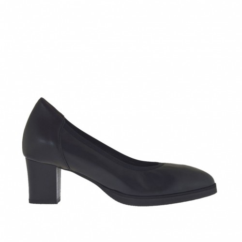 Woman's pump shoe in black leather with platform and heel 5 - Available sizes:  45