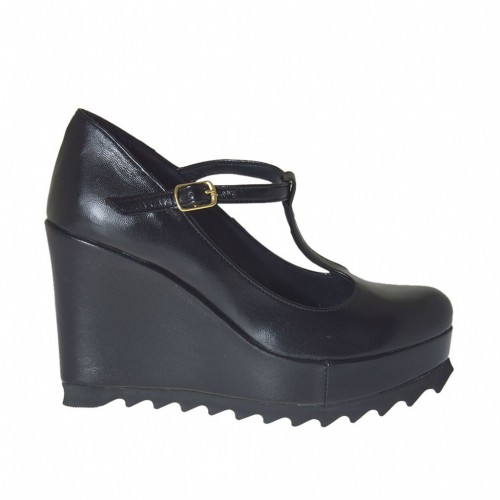 Woman's T-strap pump wit coated wedge and platform in black leather wegde heel 9 - Available sizes:  43