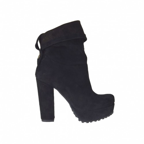 Woman's ankle-high boot with turnover and platform in black suede with heel 10 - Available sizes:  42