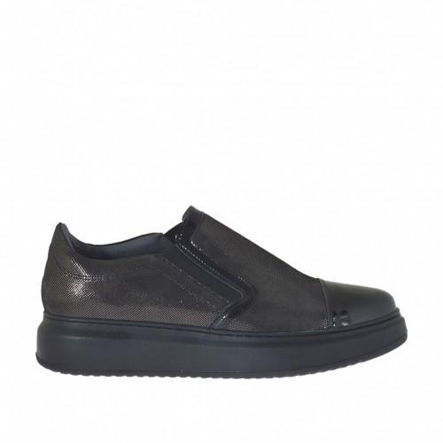 Chaussure pour femmes avec elastiques en cuir couvert glitter bronce à canon et cuir verni noir talon compensé 4 - Pointures disponibles:  44, 45, 46
