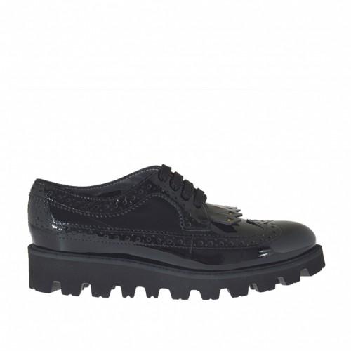 Chaussure Derby à lacets pour femmes avec franges et decorations de coeurs d'or en cuir vernis noir talon compensé 3 - Pointures disponibles:  32, 33, 34, 46