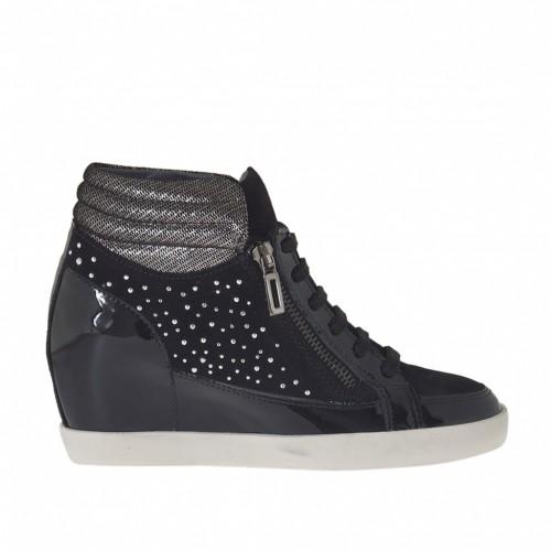 Chaussure avec lacets,plateforme,fermeture éclair et goujons en cuir verni noir et cuir couvert de tissu lamé argent compensé 7 - Pointures disponibles:  42