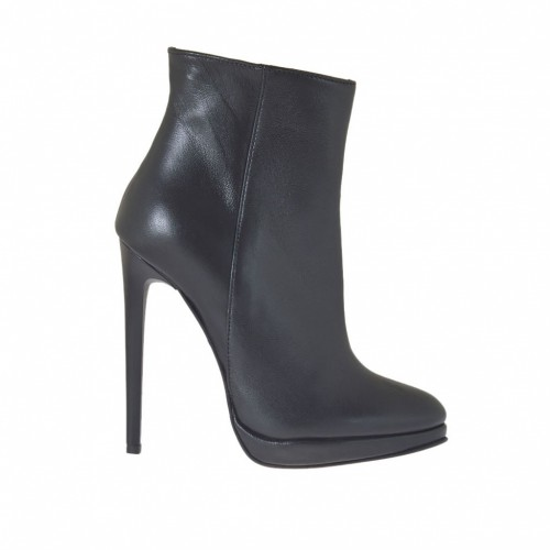 Woman's ankle boot in black leather with zipper, platform and heel 11 - Available sizes:  32, 42