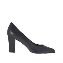 Damenpump aus schwarzfarbigem Leder Blockabsatz 7 - Verfügbare Größen: 34, 42, 43