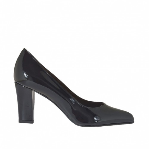 Woman's pointy pump in black patent leather block heel 7 - Available sizes:  33, 42