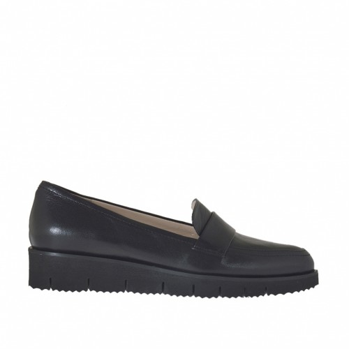 Woman's moccasin shoe in black leather wedge heel 3 - Available sizes:  33, 43