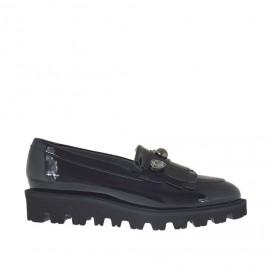 Damenmokassin mit Nieten, Fransen und Strasssteinen aus schwarzem Lackleder Keilabsatz 3 - Verfügbare Größen:  34