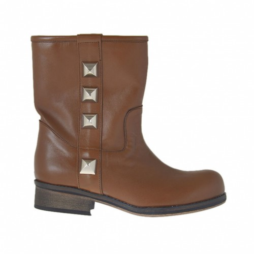 Woman's ankle boot with studs in tan leather 2 - Available sizes: 33, 34, 44, 45, 46, 47