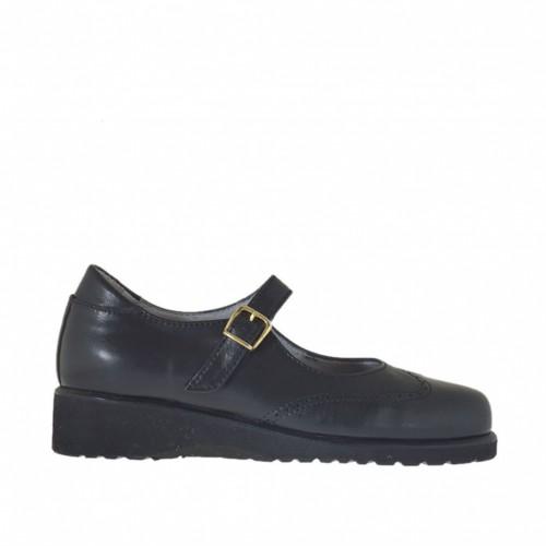 Chaussure fermée pour femmes avec courroie en cuir noir talon compensé 3 - Pointures disponibles:  42