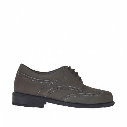 Zapato estilo inglés para mujer con cordones en piel nabuk gris tacon 2 - Tallas disponibles:  43, 45