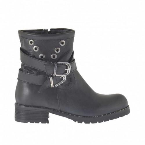 Damenstiefelette mit Reißverschluss, Schnalle und Nieten aus schwarzem Leder Absatz 3 - Verfügbare Größen: 32, 33