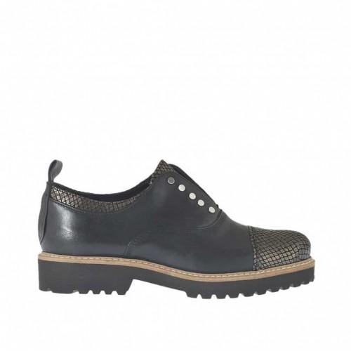 Chaussure fermée pour femmes avec elastique et goujons en cuir noir et cuir imprimé bronce à canon talon 3 - Pointures disponibles: 34