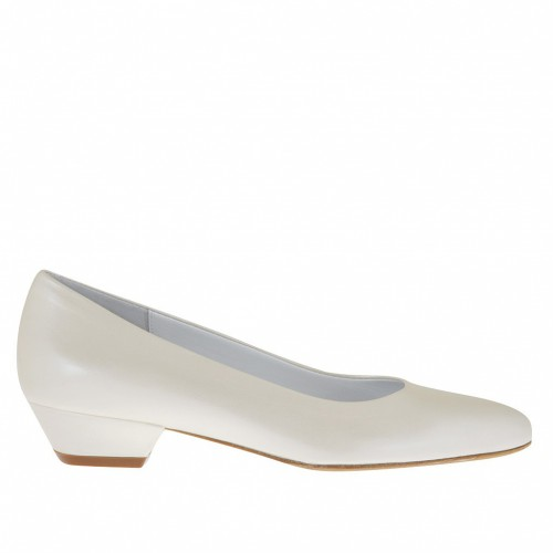 Woman's pump in ivory pearled leather heel 3 - Available sizes:  33, 42
