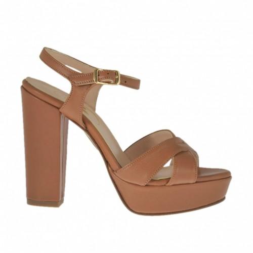 Sandale pour femmes en cuir brun clair avec courroie, plateforme et talon 10 - Pointures disponibles:  45, 46