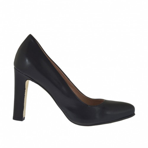 Woman's pump in black leather with inner platform and heel 9 - Available sizes:  34, 43, 44, 45