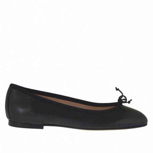 Woman's ballerina shoe in black leather with bow heel 1 - Available sizes:  32, 34