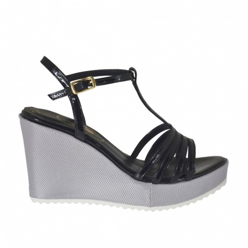 Woman's T-strap sandal in black patent leather and silver laminated fabric with platform and wedge heel 8 - Available sizes:  42, 43, 46