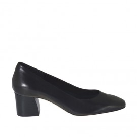 Woman's pump with squared tip in black leather heel 5 - Available sizes: 31, 32, 33, 34, 42, 43, 44, 45, 46