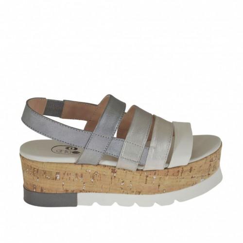 Sandale pour femmes avec elastique en cuir lamé argent et gris et cuir blanc talon compensé 5 - Pointures disponibles:  42, 43
