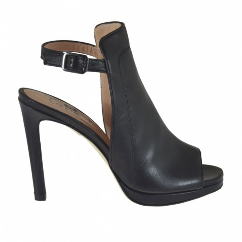 Woman's highfronted sandal in black leather with platform and heel 9 - Available sizes:  34, 43