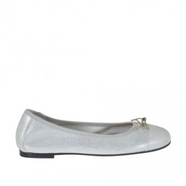 Woman's ballerina shoe with rounded tip and bow in laminated silver printed suede heel 1 - Available sizes:  32, 33, 43, 44