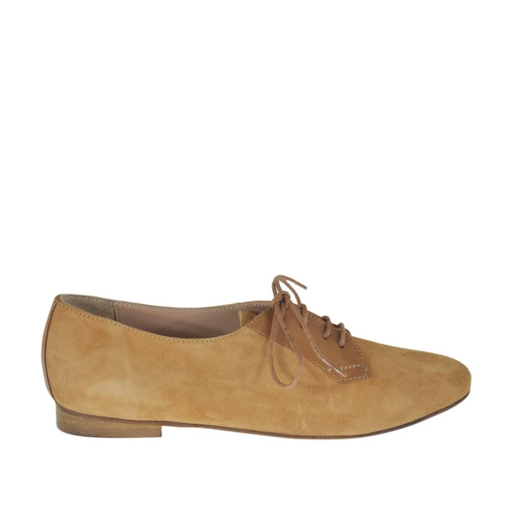 chaussure lacets pour femmes en cuir et daim beige talon 1 ghigocalzature. Black Bedroom Furniture Sets. Home Design Ideas