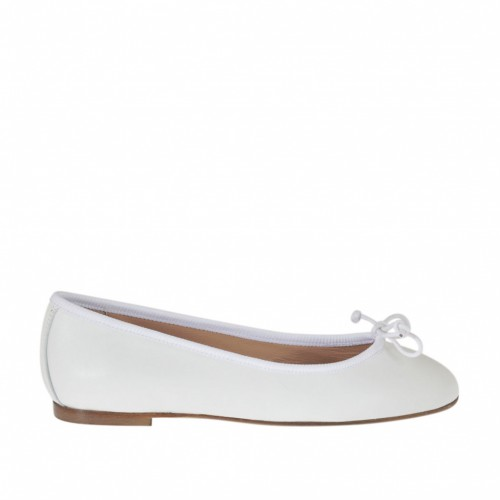 Woman's ballerina shoe in white leather with bow heel 1 - Available sizes:  32, 33, 34