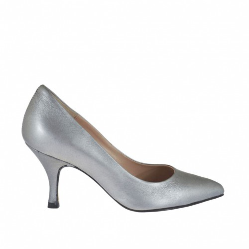 Woman's pump in grey laminated leather heel 7 - Available sizes:  32, 34, 43