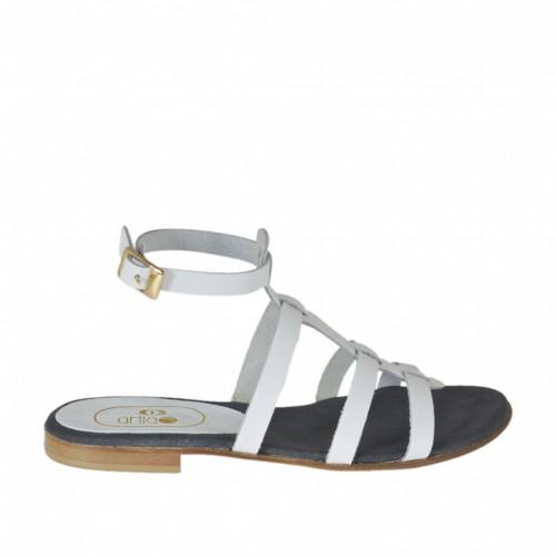 Sandale pour femmes avec courroie à la cheville et bandes en cuir blanc talon 1 - Pointures disponibles:  32