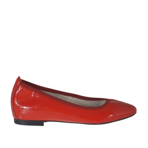 Woman's pointy ballerina shoe in red patent leather heel 1 - Available sizes:  32, 33