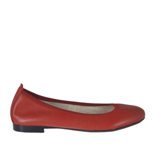 Woman's ballerina shoe with rounded tip in red leather heel 1 - Available sizes:  32, 33