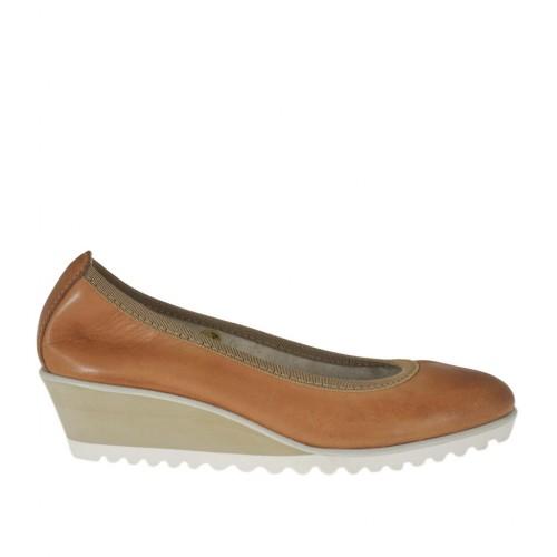 Escarpin pour femmes en cuir brun talon compensé 4 - Pointures disponibles: 32, 33, 34, 42, 43, 44