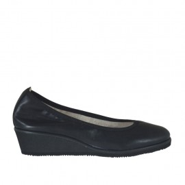 Woman's pump in black leather wedge heel 4 - Available sizes: 32, 33, 34, 42, 43, 44, 45