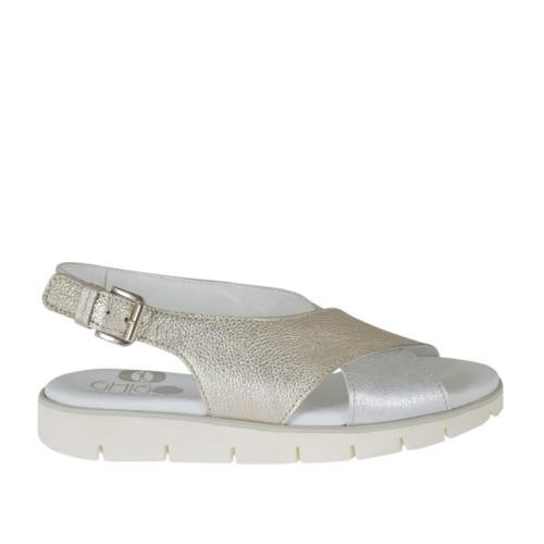 Sandale pour femmes en cuir lamé imprimé argent et platine talon compensé 2 - Pointures disponibles:  32
