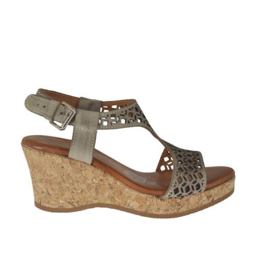 Sandale pour femmes en cuir perforé taupe avec plateforme et talon compensé 6 - Pointures disponibles:  43