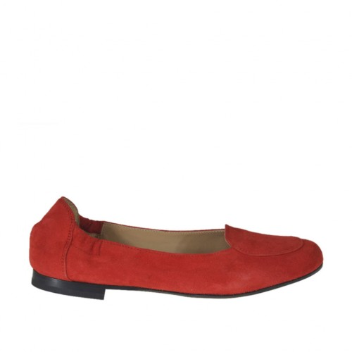 Woman's highfronted ballerina in red suede heel 1 - Available sizes:  32, 33, 34