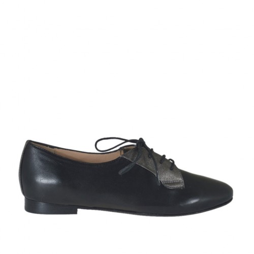 Woman's laced shoe in black leather and lead grey laminated leather heel 1 - Available sizes:  32, 42, 45