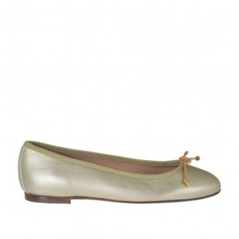 Woman's ballerina shoe with bow in platinum laminated leather heel 1 - Available sizes: 32, 33, 34, 42, 43, 44, 45, 46