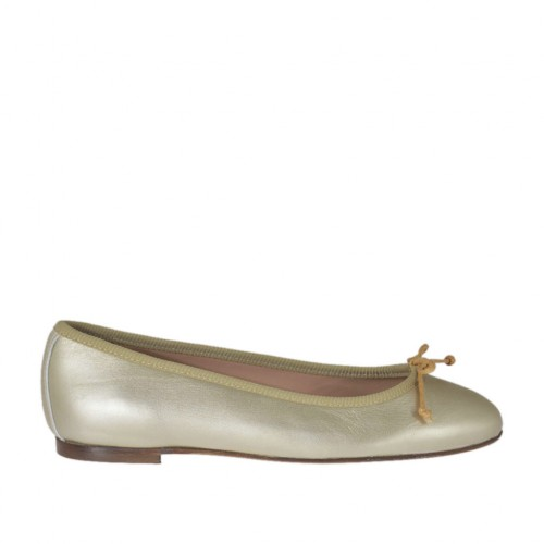 Woman's ballerina shoe with bow in platinum laminated leather heel 1 - Available sizes:  32, 33, 34, 45